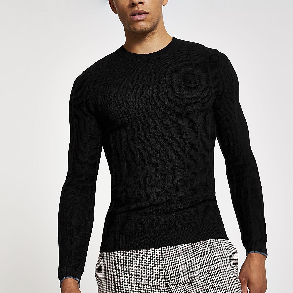 Zwarte aansluitende gebreide pullover met ronde hals