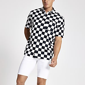 Black checkerboard print short sleeve shirt