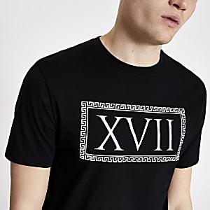 Zwart T-shirt met korte mouwen en XVII-print