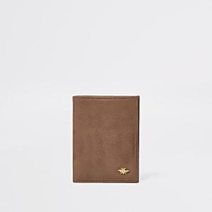 Bruine leren portemonnee met wesp