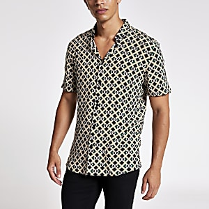 Black geo print short sleeve slim fit shirt