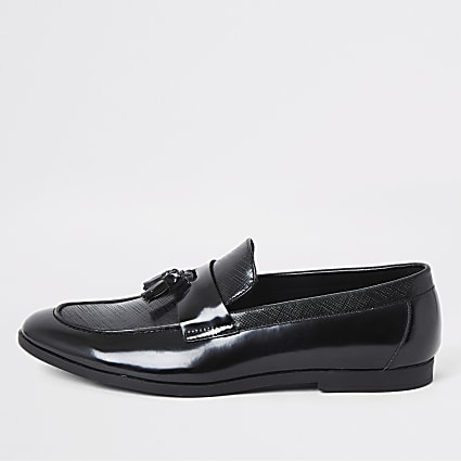 Black patent textured tassel loafers