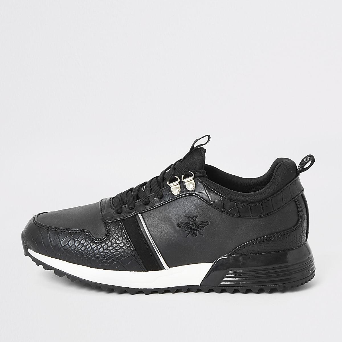 Zwarte sneakers met krokodillenmotief en vetersluiting