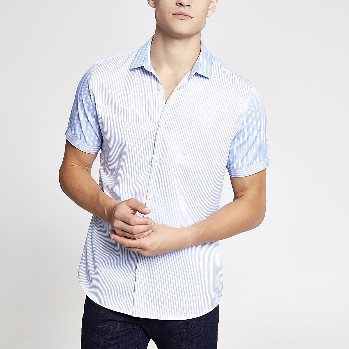 Lichtblauw gestreept poplin overhemd met korte mouwen