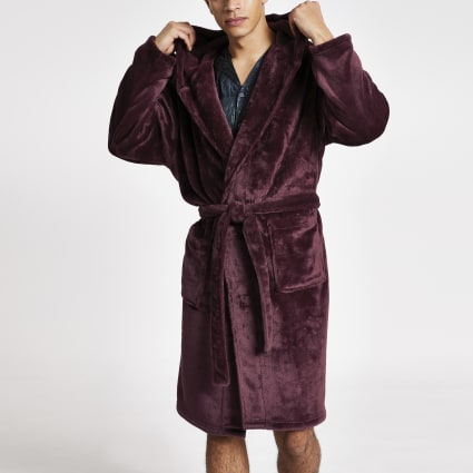 Burgundy wasp embossed fleece dressing gown