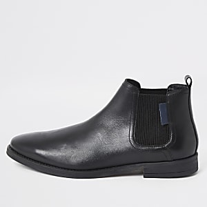 Schwarze, spitze Chelsea-Stiefel aus Leder