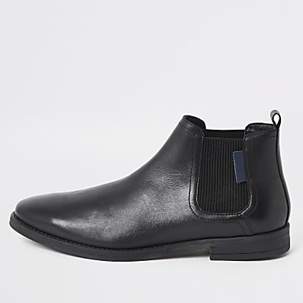 Black leather pointed toe Chelsea boots