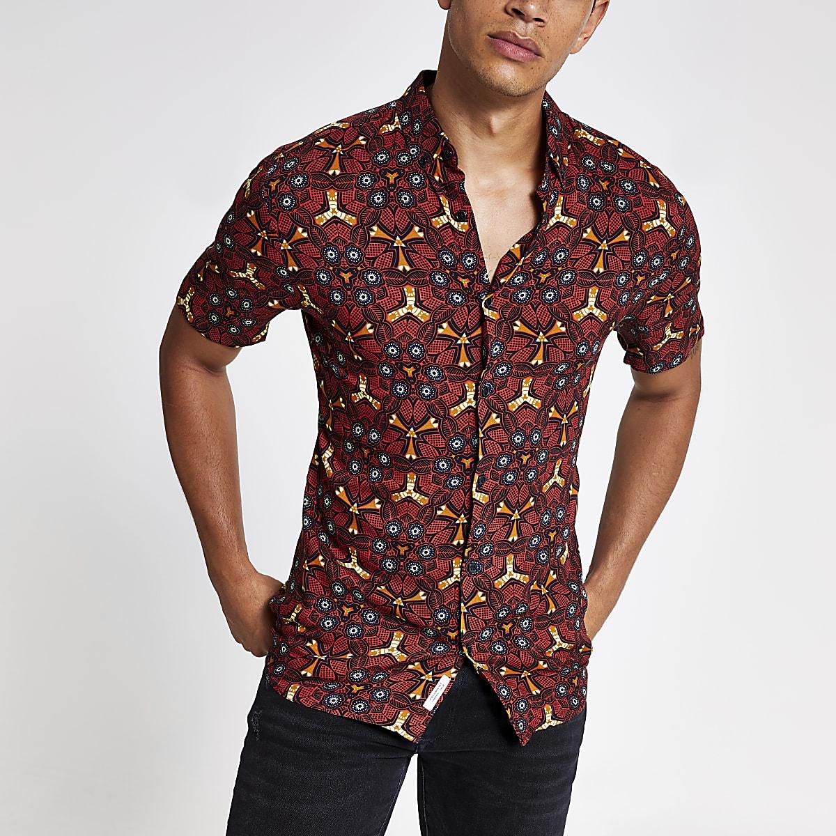 Red kaleidoscope print short sleeve shirt