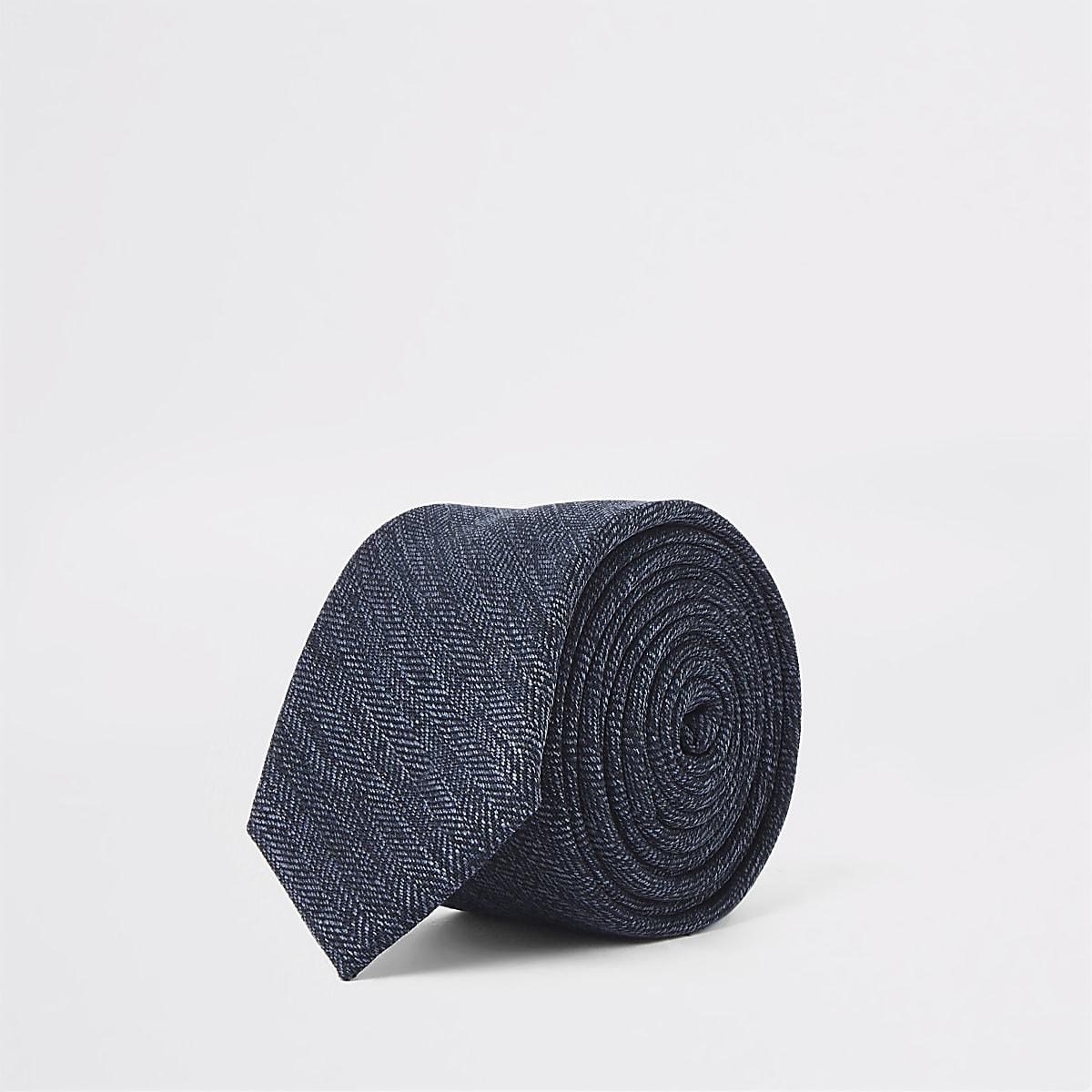 Marineblauwe stropdas met visgraatprint
