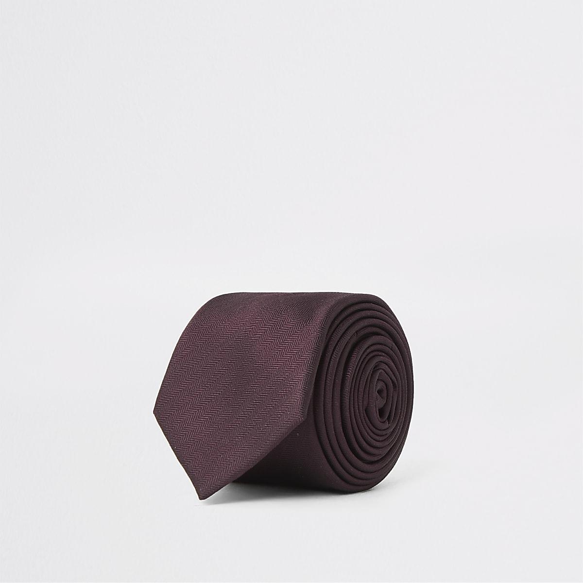 Cravate bordeaux à motif chevrons