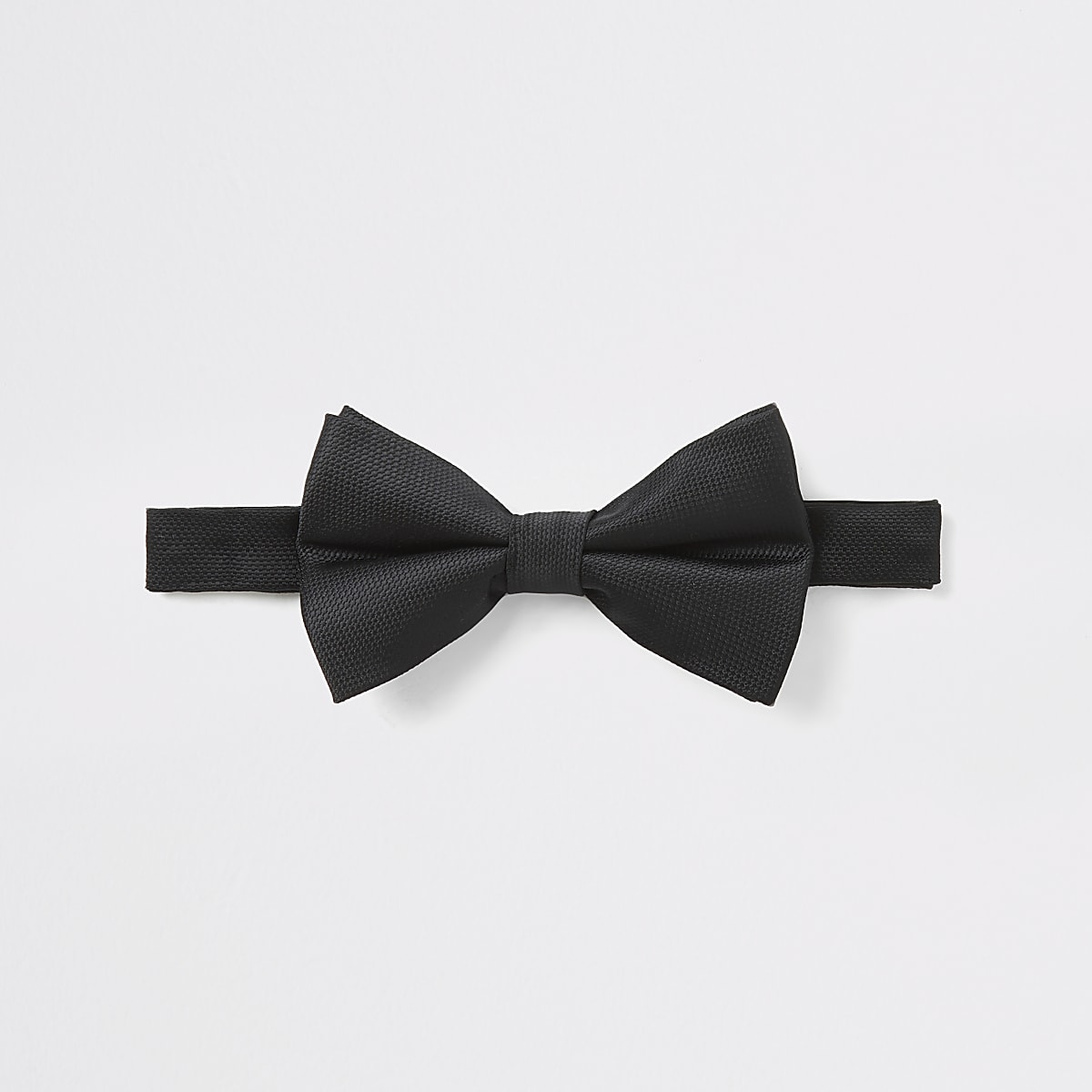 Black textured bow tie