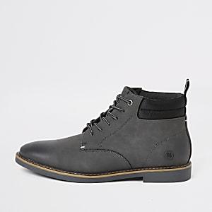 Grijze chukka boots met veters