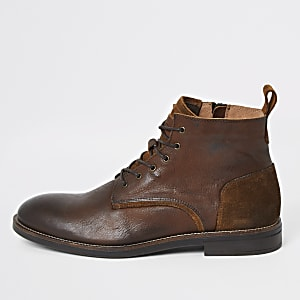 Brown leather lace-up chukka boots