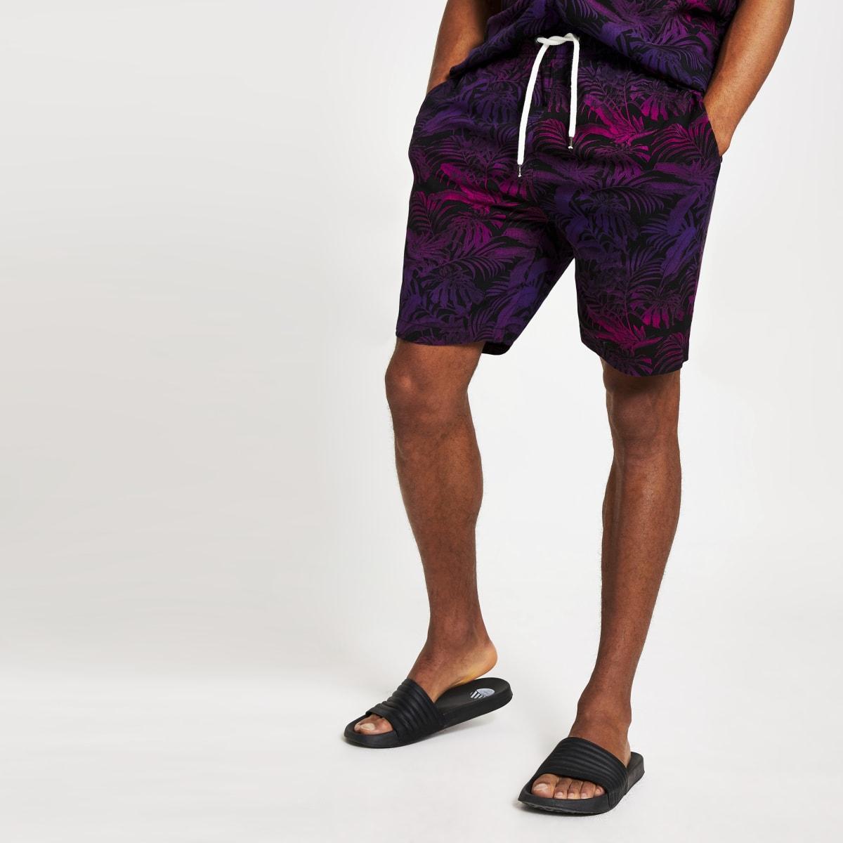 Jack & Jones – Shorts in Lila mit tropischem Print