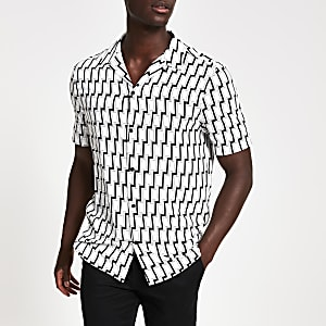Black slim fit geo print short sleeve shirt