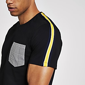Criminal Damage – T-shirt noir avec poche à carreaux