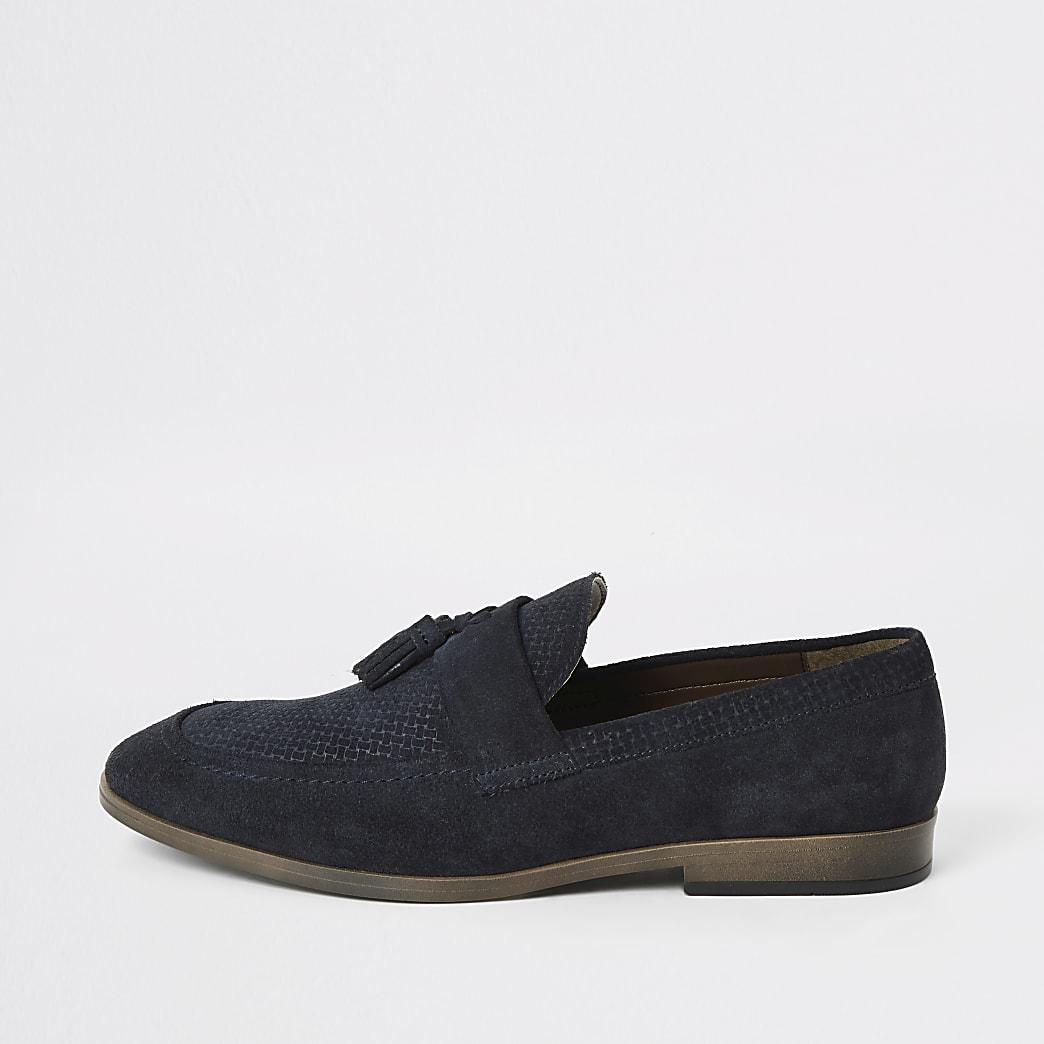 Blauwe suède loafers met textuur en kwastjes voor