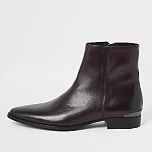 Donkerrode leren laarzen met puntneus