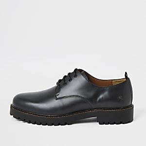 Schwarze Derby-Schuhe mit grober Sohle aus Leder