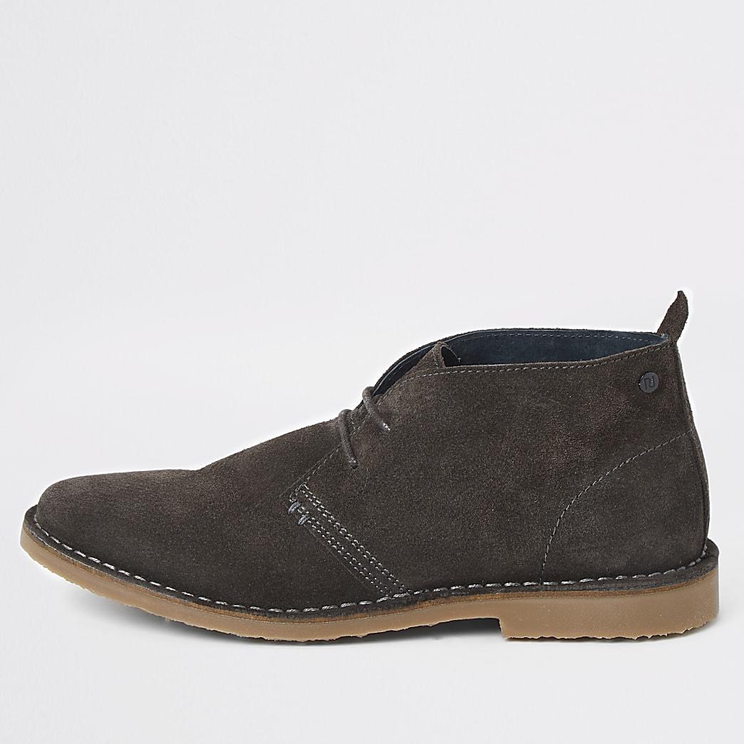 Grijze desert boots van suède met brede pasvorm