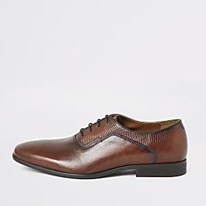 Braune Derby-Schuhe aus Leder mit Prägung