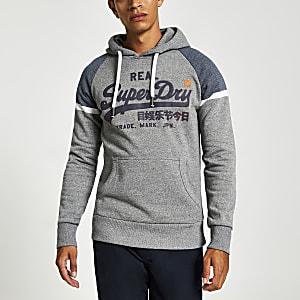 Superdry – Sweat à capuche gris avec logo sur la poitrine