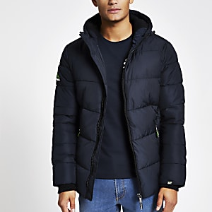 Superdry – Marineblaue Steppjacke im Sport-Look
