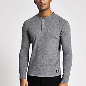 Superdry – Graues T-Shirt mit Grandad-Kragen