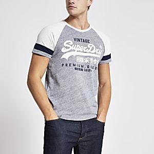 Superdry – Graues T-Shirt mit Logo-Print und Raglanärmeln