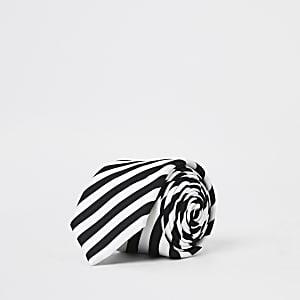 Cravate blancheà rayures noires et blanches