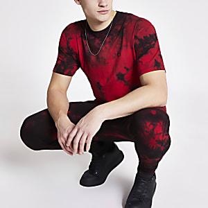 Criminal Damage – Rotes Oversized-T-Shirt im Batik-Design