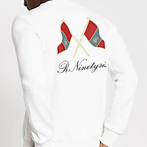 """Weißes Slim Fit Sweatshirt """"R96"""" mit Flaggenaufdruck"""