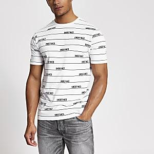 Wit gestreept slim-fit T-shirt met 'Undefined'-tekst