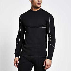 Zwarte gebreide trui met strepen met lange mouwen