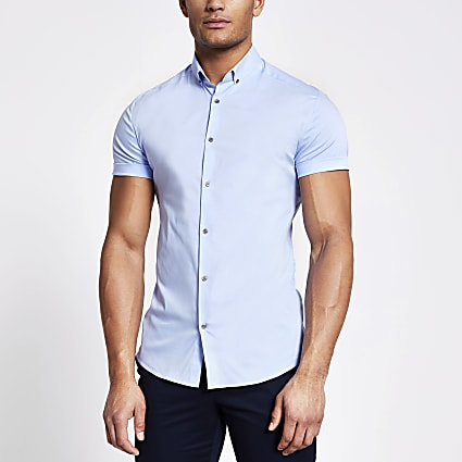 Blue short sleeve muscle fit shirt