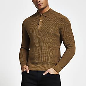 Rostbraunes, langärmeliges Strick-Poloshirt im Slim Fit