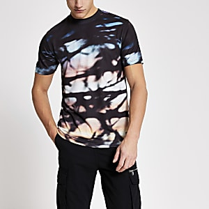 Kurzärmeliges schwarzes Slim Fit T-Shirt im Ombre-Look