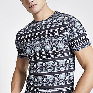 Maison Riviera- Marineblauw aansluitend T-shirt