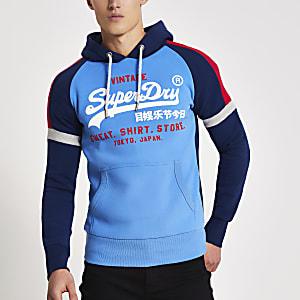 Superdry – Blauer Hoodie in Blockfarben mit Print