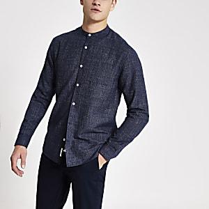 Marineblaues Slim Fit Hemd aus Neppy mit Grandad-Kragen