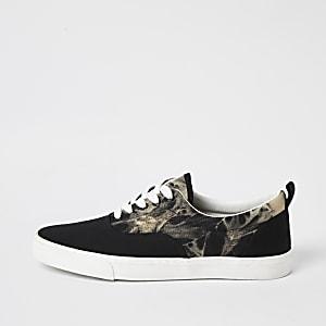 Schwarze Sneaker zum Schnüren mit Batikmuster