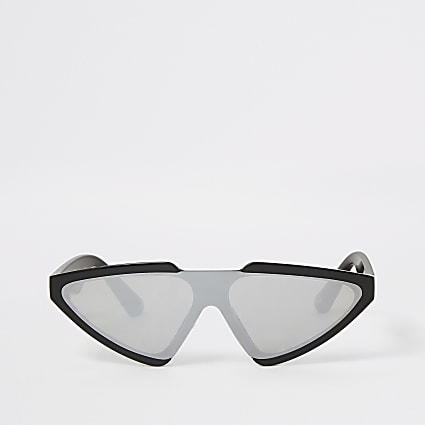 Black visor sunglasses