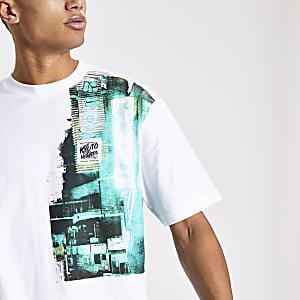 Weißes, kastiges T-Shirt mit Print