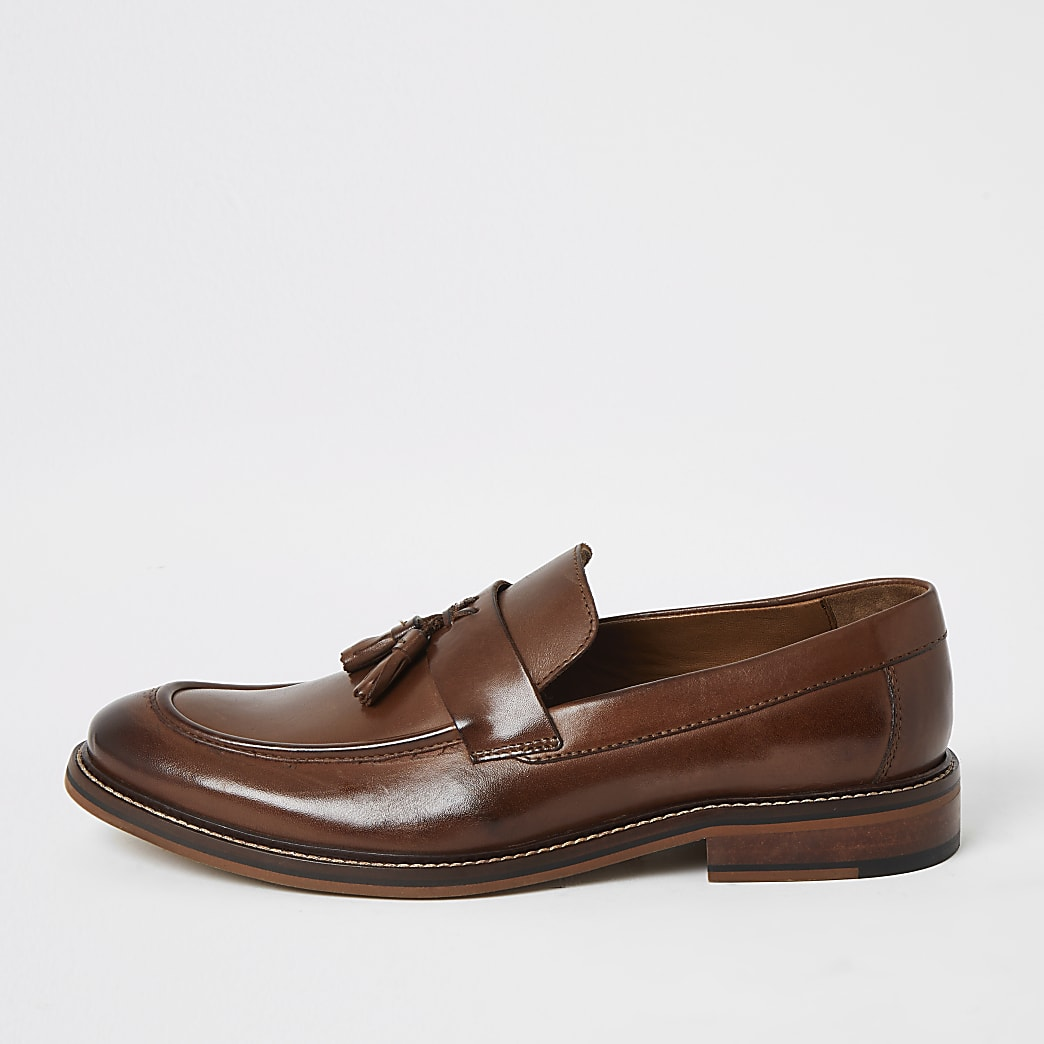 Braune Loafer aus Leder mit Quaste
