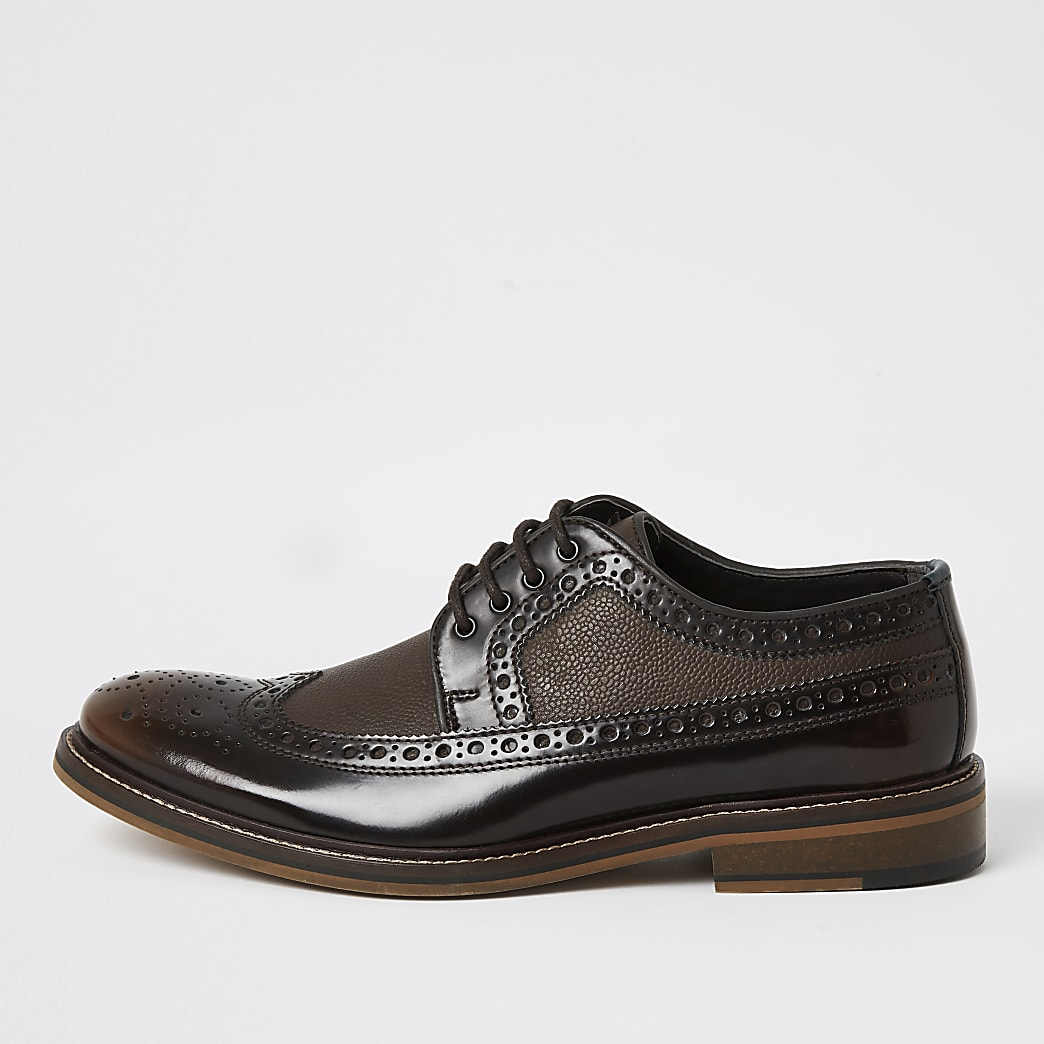Brown dark leather lace-up derby brogues