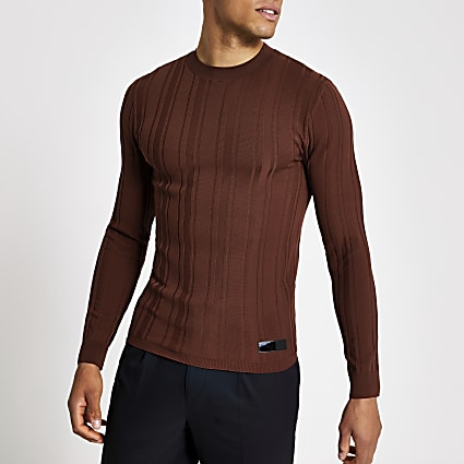 Rust muscle fit long sleeve rib knitted top