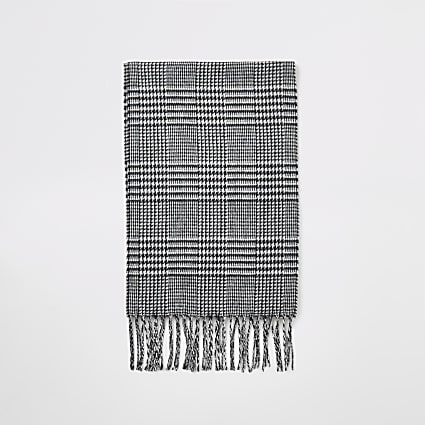Black dogtooth check tassel scarf