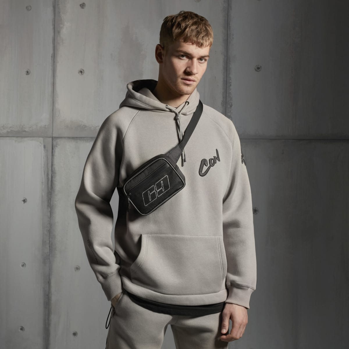Concept stone regular fit graffiti hoodie