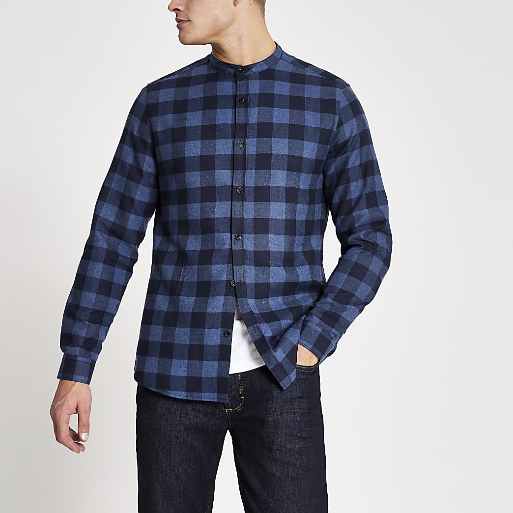 Chemise slim bleue à carreaux et col grand-père