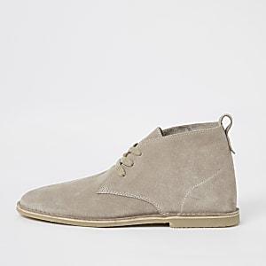 Desert boots en daim écru à lacets